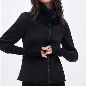 Like Brand New!! Zara Limited Edition Short Jacket